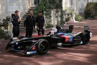 Formula E Foto - Principe Alberto II guida una Venturi Formula E