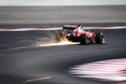 Kimi Raikkonen, Ferrari SF16-H sends sparks flying