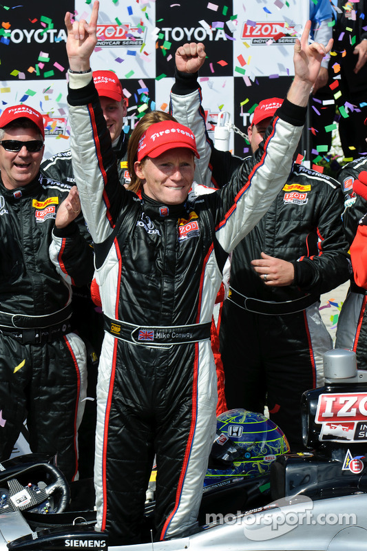 Mike Conway celebrates