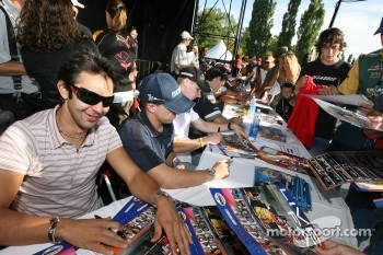 Autograph session: Antonio Pizzonia