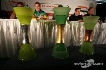 Press conference: trophies for the Mont-Tremblant Champ Car race