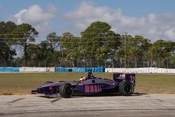 Mario Moraes spins