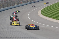 Bryan Herta leads Tomas Scheckter