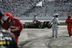 Buddy Lazier in trouble on pitlane