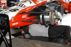 Front suspension of Dan Wheldon car