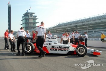 Team Penske gets ready for photoshoot
