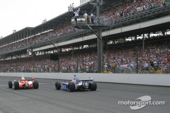 Sam Hornish Jr. takes the checkered flag ahead of Marco Andretti