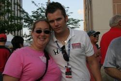 Dan Wheldon and a fan