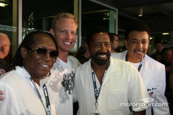 Ian Ziering and The Commodores
