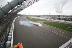 Dario Franchitti does donuts