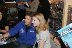 Autograph session: Marco Andretti