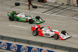 Pitstops for Tony Kanaan and Helio Castroneves