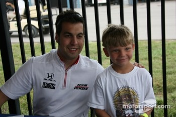 Autograph session: Sam Hornish Jr.