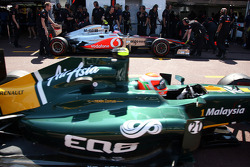 Jenson Button, McLaren Mercedes, Jarno Trulli, Team Lotus