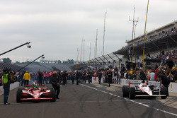 Pit stop challenge: Dario Franchitti, Target Chip Ganassi Racing and Will Power, Team Penske