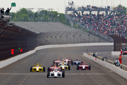 Restart: Josef Newgarden, Sam Schmidt Motorsports leads the field