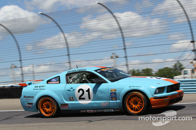 #21 Frederick Motorsports Ford Mustang GT: Scott Panzer, Todd Snyder