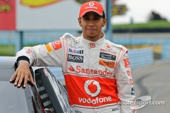 Lewis Hamilton with Tony Stewart's Sprint Cup car