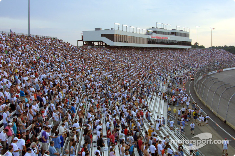 Before the race: Richmond fans