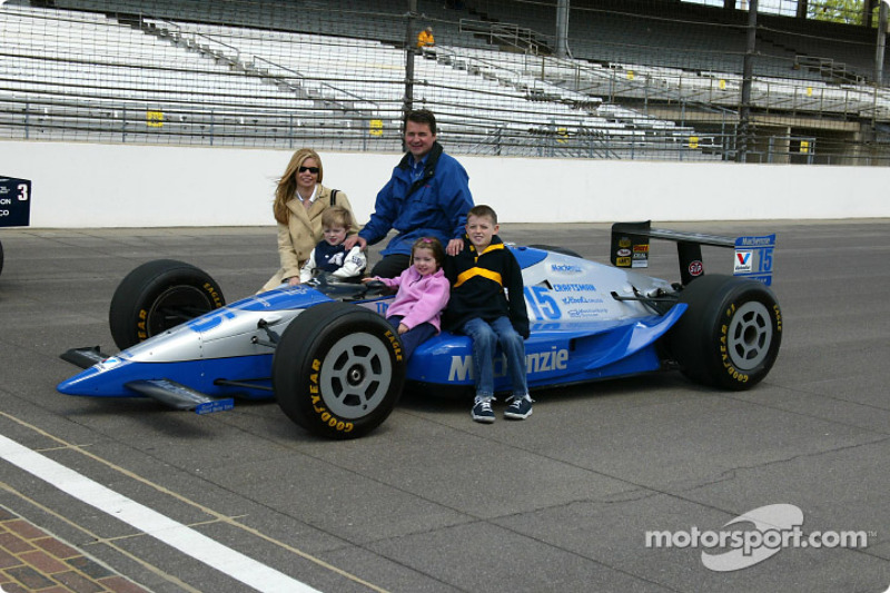 Goodyear Car >> Al Unser Jr. and Scott Goodyear who were involved in the closest finish ever at the Indy 500 in ...