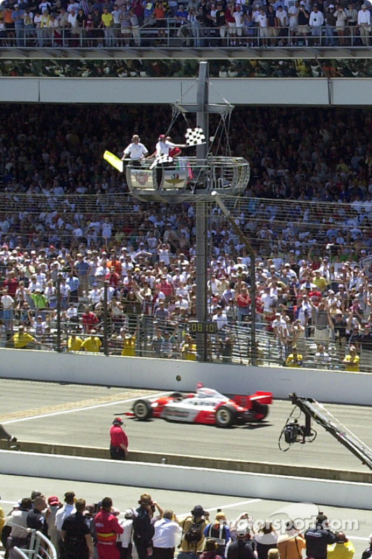 Helio Castroneves takes the victory at the Indy 500 under caution