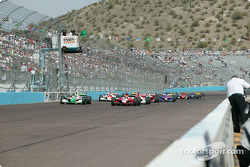 Green flag: Dan Wheldon and Tony Kanaan lead the field