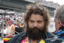 Rupert Boneham:  Is that Johnny Fairplay I see?