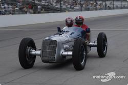 Vintage racers: 1935 Miller Ford #42