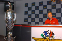 Al Unser Jr. and Borg-Warner trophy