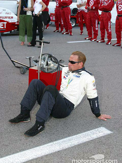 Greg Ray takes a break during pre-race activities