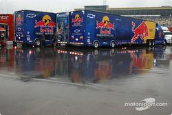 Team transporters under the rain