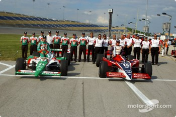 Front row for the Belterra Casino Indy 300 at Kentucky Speedway: pole winner Buddy Rice and Tony Kanaan