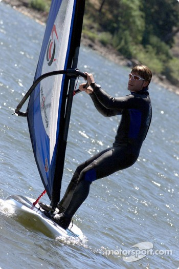Columbia River Gorge: Alexandre Tagliani on a windsurf