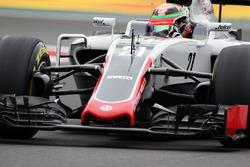 Esteban Gutierrez, Haas F1 Team VF-16 waves to the fans