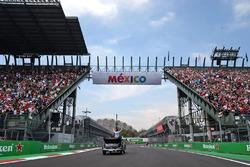 Fahrerparade: Nico Rosberg, Mercedes AMG F1
