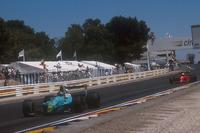 Forma-1 Fotók - Ivan Capelli, Leyton House CG901 Judd leads Alain Prost, Ferrari 641