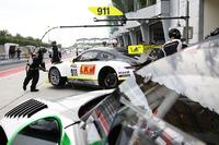 Endurance Foto's - #911 Manthey Racing Porsche 911 GT3R: Earl Bamber, Nick Tandy, Patrick Pilet