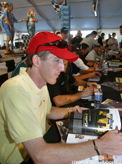 Drivers autograph session: Geoff Boss