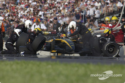 Pitstop for Oriol Servia