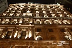 Montréal nightlights: St. James Building