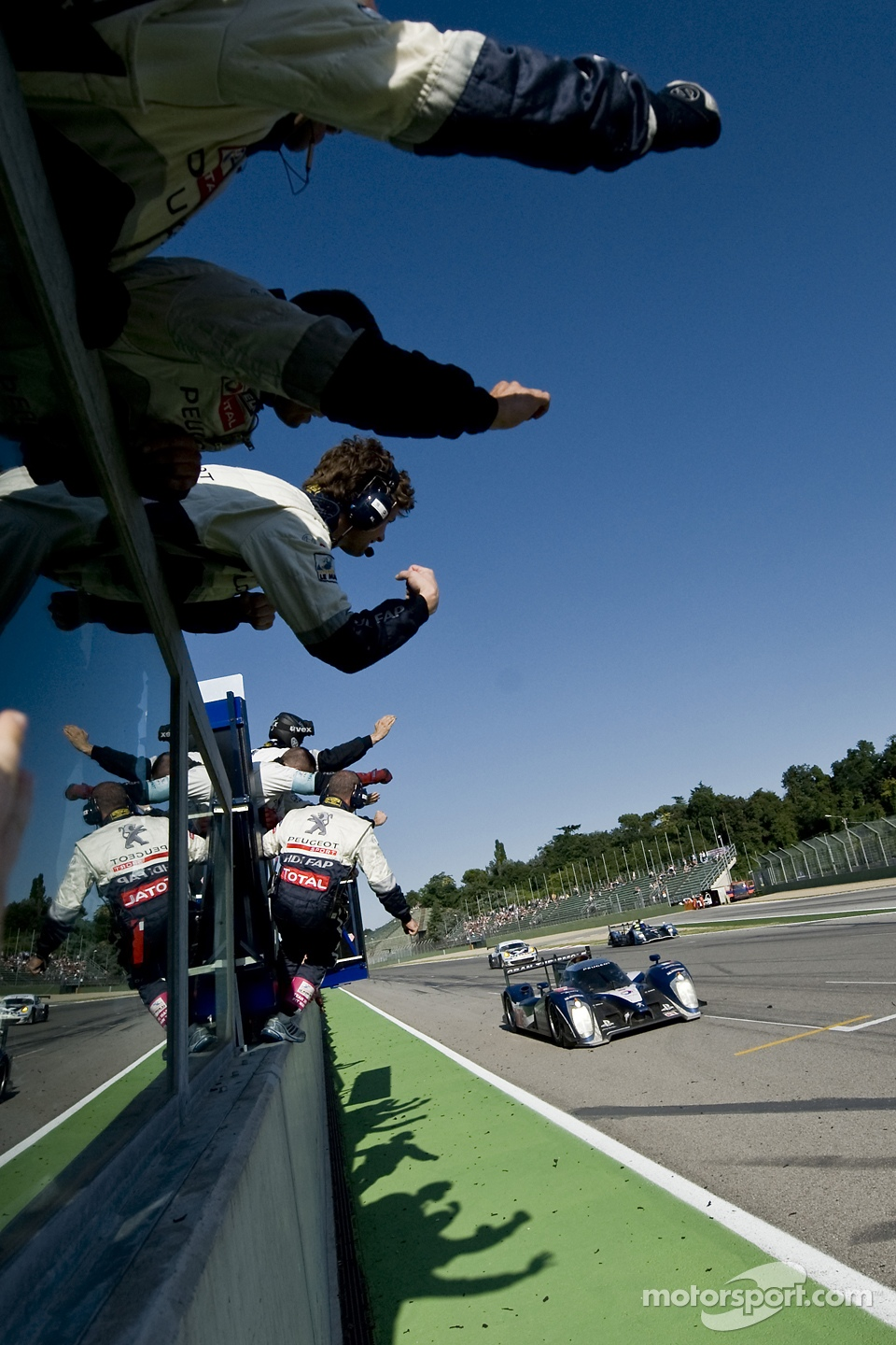 #7 Peugeot Sport Total Peugeot 908: Sébastien Bourdais, Anthony Davidson takes the win