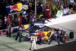 Pit stop for Kasey Kahne, Red Bull Racing Team Toyota