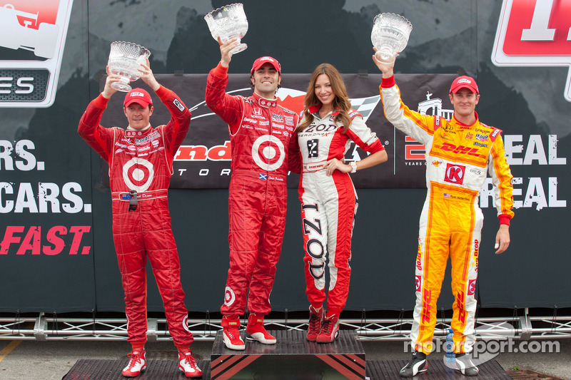 Podium: race winner Dario Franchitti, Target Chip Ganassi Racing, second place Scott Dixon, Target Chip Ganassi Racing, third place Ryan Hunter-Reay, Andretti Autosport