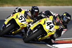 #44 Vesrah Suzuki, Suzuki GSX-R600: Taylor Knapp #57 Vesrah Suzuki, Suzuki GSX-R600: Cory West