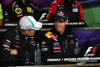 Nico Rosberg, Mercedes GP F1 Team, Sebastian Vettel, Red Bull Racing