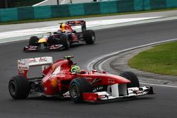Felipe Massa, Scuderia Ferrari leads Mark Webber, Red Bull Racing