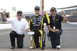 Victory lane: race winner Paul Menard, Richard Childress Racing Chevrolet celebrates with Richard Childress and John Menard