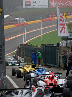 F3 Cars Line up before qualifying