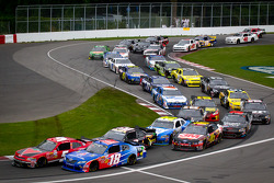 Restart: Ron Fellows, Hendrick Motorsport Chevrolet leads Michael McDowell, Joe Gibbs Racing Toyota