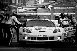 Pit stop for #4 Corvette Racing Chevrolet Corvette C6 ZR1: Oliver Gavin, Jan Magnussen